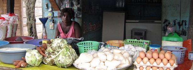 Food seller, Ghana, by Energy for All 2030 via Flickr